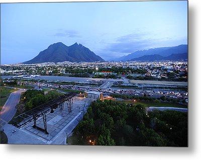 Monterrey At Dusk With Cerro De La Metal Print by Raul Touzon