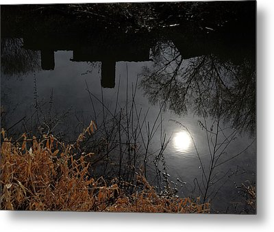 Metal Print featuring the photograph Moon Lake by Larry Bishop