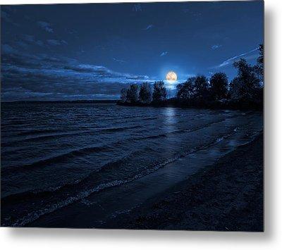Moonrise On The Beach Metal Print