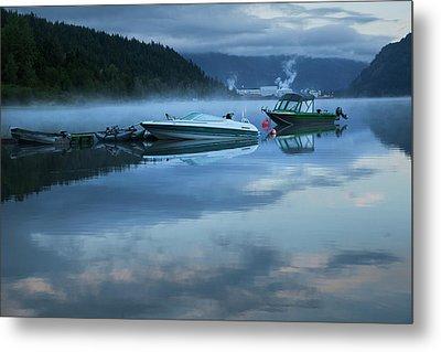Morning Mist Adams Lake Metal Print by Theresa Tahara
