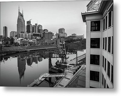 Nashville Skyline At Dawn In Black And White Metal Print