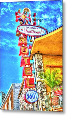 Neon Motel Sign Metal Print by Jim And Emily Bush