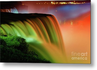 Niagara Falls Illumination Of Lights At Night Metal Print by Charline Xia