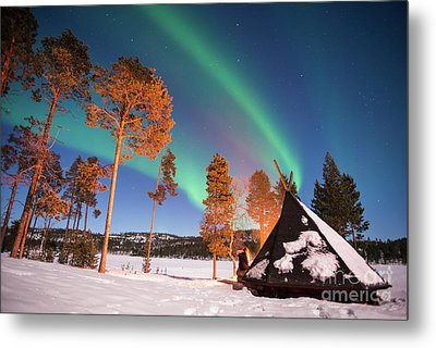 Northern Lights By The Lake Metal Print by Delphimages Photo Creations