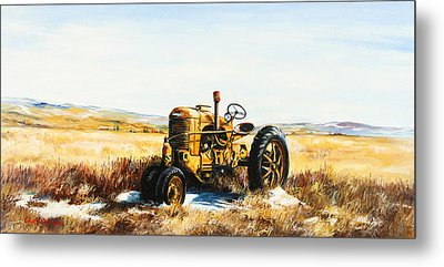 Old Case Tractor Metal Print by Gary Wynn