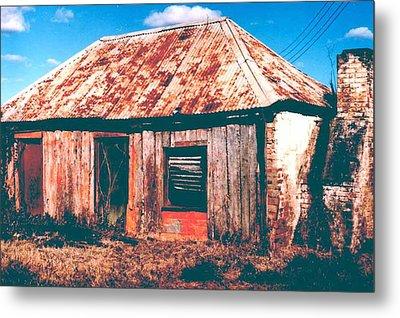 Old Farm House Metal Print by Gary Wonning