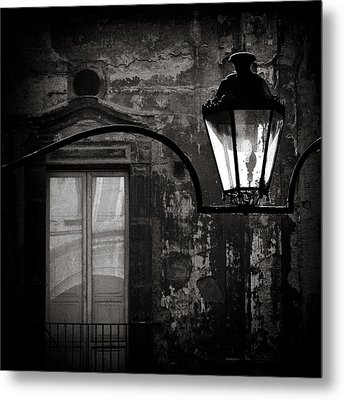 Old Lamp Metal Print by Dave Bowman