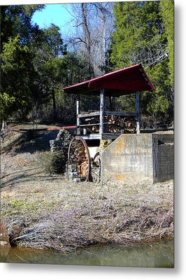 Metal Print featuring the photograph Old Mill Of Guilford Pumphouse by Sandi OReilly