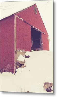 Old Red Barn In Winter Metal Print by Edward Fielding