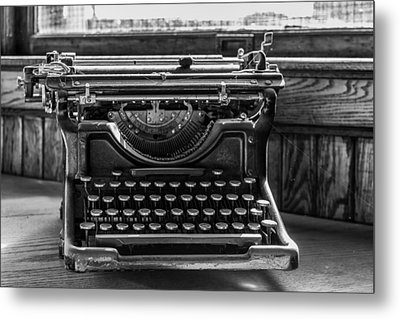 Old Typewriter Metal Print by Thomas Young