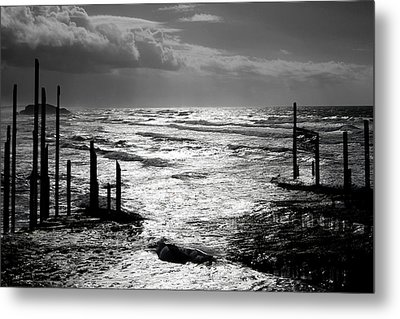 Pacific Silver Metal Print