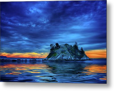 Metal Print featuring the photograph Pacific Sunset by John Poon