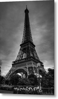 Metal Print featuring the photograph Paris - Eiffel Tower 004 Bw by Lance Vaughn