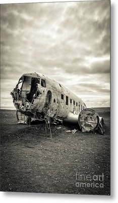 Metal Print featuring the photograph Plane Crash Iceland by Edward Fielding