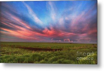 Prairie Skies Metal Print by Ian McGregor