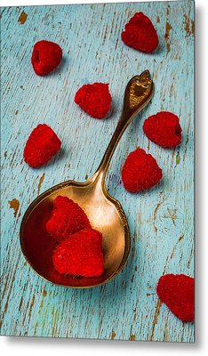Raspberries With Antique Spoon Metal Print by Garry Gay