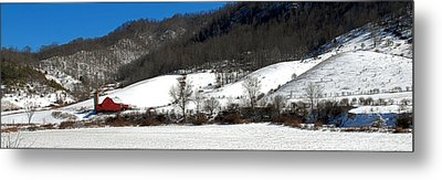 Red Barn In Snow Metal Print by Alan Lenk