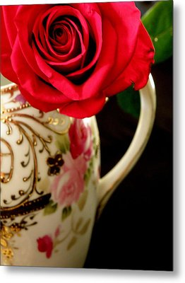 Red Red Rose Metal Print by Lainie Wrightson