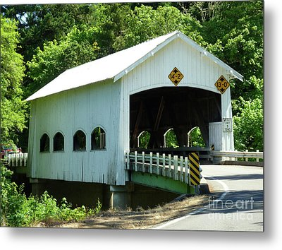 Rochester Bridge Metal Print by Methune Hively