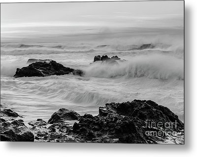 Rough Waves In Black And White Metal Print