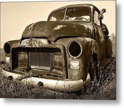 Rusty But Trusty Old Gmc Pickup Metal Print by Gordon Dean II