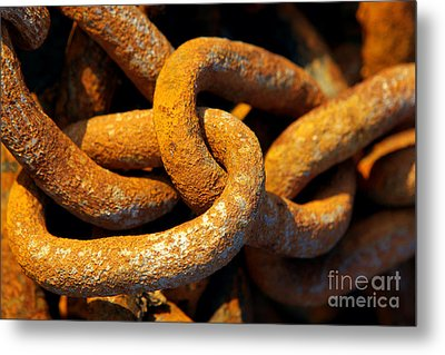 Rusty Chain Metal Print