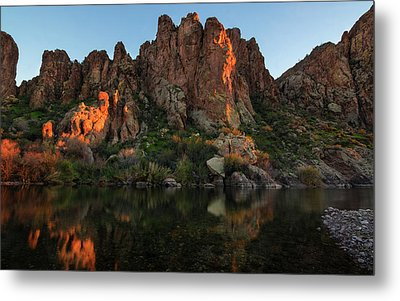 Metal Print featuring the photograph Salt River Cliff Colors by Dave Dilli