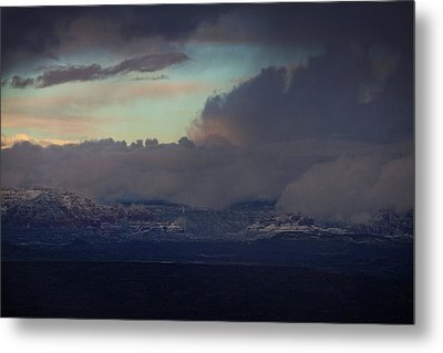 Metal Print featuring the photograph Sedona At Sunset With Red Rock Snow by Ron Chilston