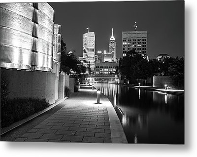 Skyline Of Indianapolis Indiana From The Canal Walk - Black And White Metal Print by Gregory Ballos