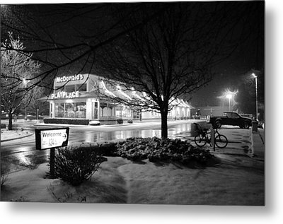 Snow Surprise Metal Print by Jeanette O'Toole