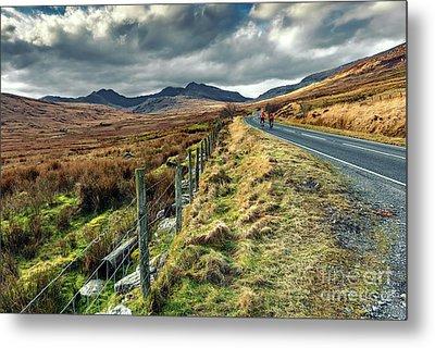 Snowdon Cyclists Metal Print by Adrian Evans