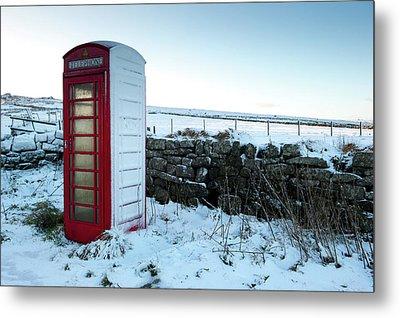 Snowy Telephone Box Metal Print by Helen Northcott