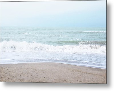 Soft Waves 2- Art By Linda Woods Metal Print