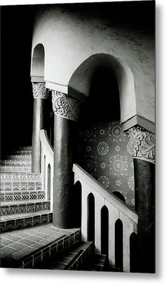 Spiral Stairs- Black And White Photo By Linda Woods Metal Print