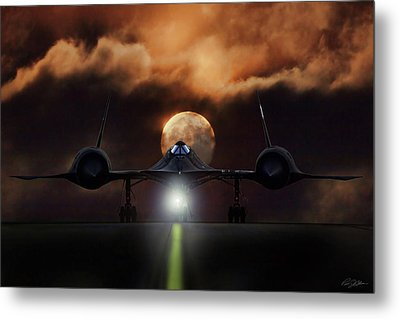 Sr-71 Supermoon Metal Print by Peter Chilelli