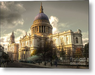St Paul's Cathedral Metal Print by Rob Hawkins