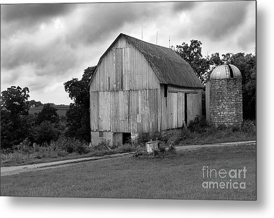 Stormy Barn Metal Print by Perry Webster