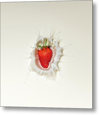Strawberry Splash In Milk Metal Print