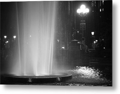 Summer Romance - Washington Square Park Fountain At Night Metal Print by Vivienne Gucwa
