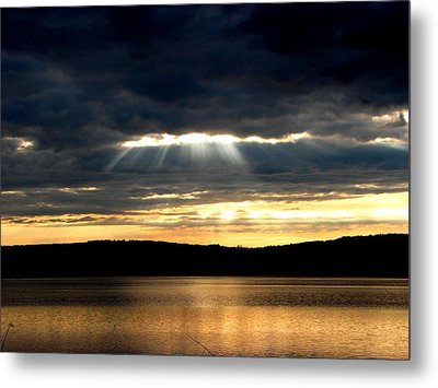 Sunrays Metal Print