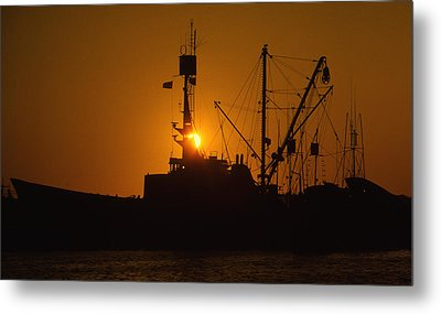 Metal Print featuring the photograph Sunset Harbor by Marie Leslie