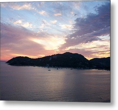 Sunset On The Bay Metal Print by James Johnstone