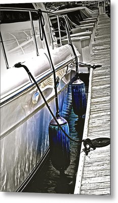Sure-thing Boat Metal Print by Gwyn Newcombe