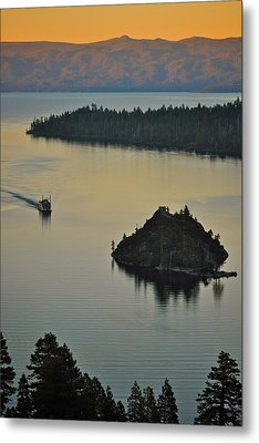 Tahoe Queen Steaming Into Emerald Bay Metal Print