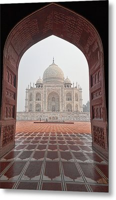 Metal Print featuring the photograph Taj Mahal - Color by Stefan Nielsen