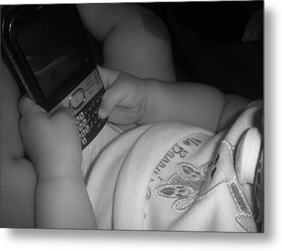 Taking Her First Baby Text..... Metal Print by WaLdEmAr BoRrErO