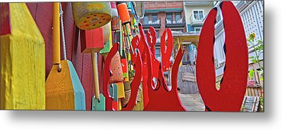 Talk To The Hand Talk To The Claw Metal Print by Betsy Knapp