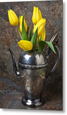 Tea Pot And Tulips Metal Print by Garry Gay