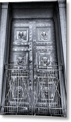 The Door At The Parthenon In Nashville Tennessee Black And White Metal Print