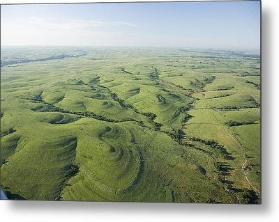 The Flint Hills Of Kansas Metal Print by Jim Richardson